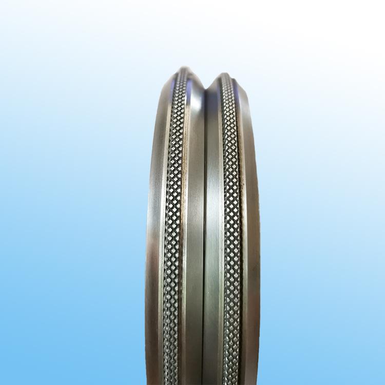 Edge pressure wheel